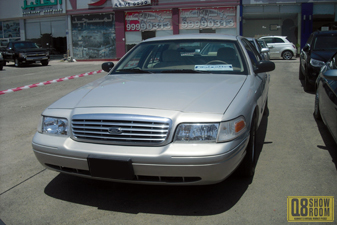 Ford Crown Victoria 2010 Sedan
