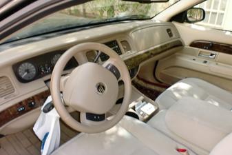Ford Grand Marquis 2011 Sedan