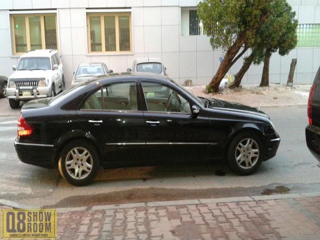 مرسيدس E200 2004