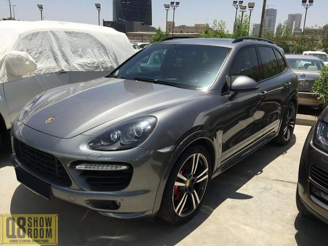 Porsche cayeen GTS 2013