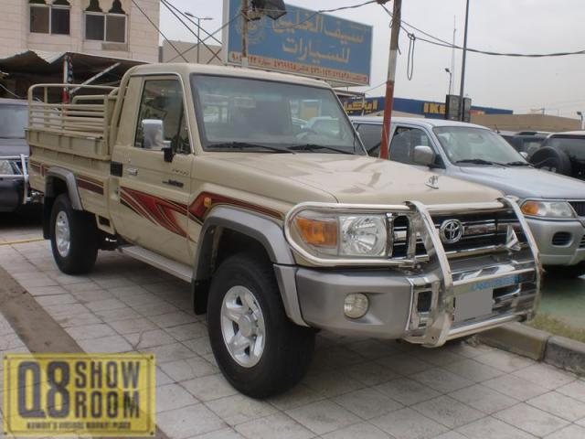 Toyota Land Cruiser Pickup 2010